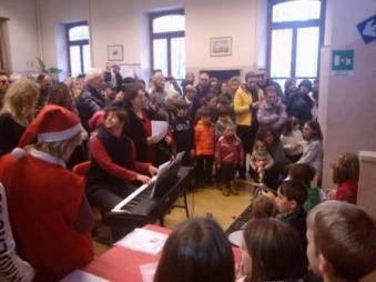 Mercatino di Natale 2014 - il coro